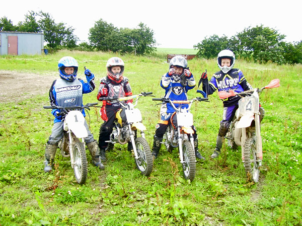 MONCKTON-SHOOTING-GROUND-THE-MOTOCROSS-TRACK-JUNIOR-RIDERS-1.JPG