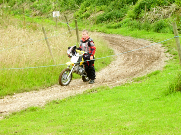 MONCKTON-SHOOTING-GROUND-THE-MOTOCROSS-TRACK-JUNIOR-RIDERS-15.JPG