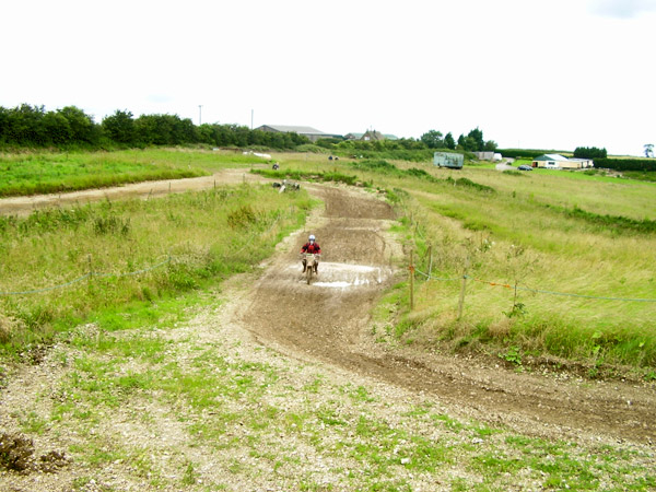 MONCKTON-SHOOTING-GROUND-THE-MOTOCROSS-TRACK-JUNIOR-RIDERS-20.JPG