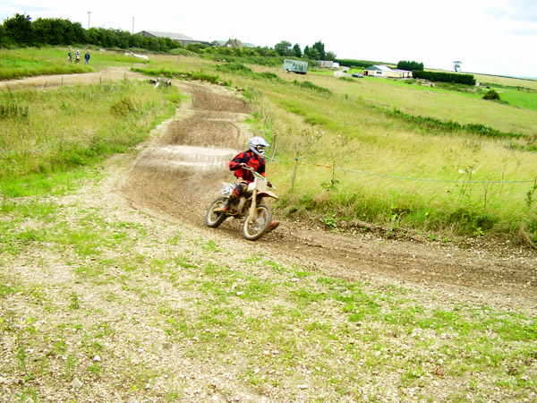 MONCKTON-SHOOTING-GROUND-THE-MOTOCROSS-TRACK-JUNIOR-RIDERS-21.JPG