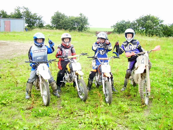 MONCKTON-SHOOTING-GROUND-THE-MOTOCROSS-TRACK-JUNIOR-RIDERS-5.JPG