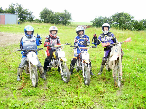 MONCKTON-SHOOTING-GROUND-THE-MOTOCROSS-TRACK-JUNIOR-RIDERS-6.JPG