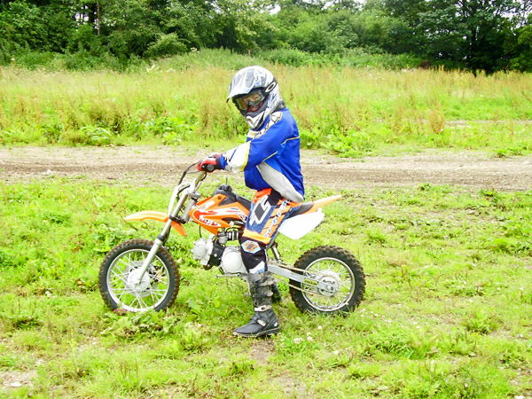 MONCKTON-SHOOTING-GROUND-THE-MOTOCROSS-TRACK-JUNIOR-RIDERS-7.JPG