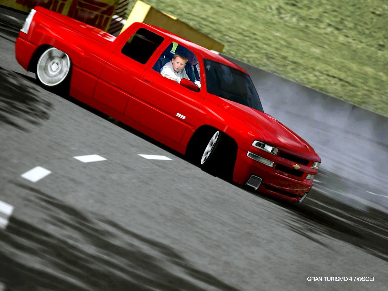 WILLIAM-DRIFTING-A-PICKUP.JPG